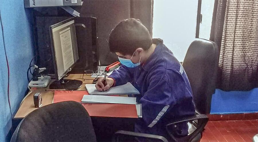 """Practicas realizadas a alumnos de la Escuela Industrial Nº 5 """"Tte. A. Del Castillo"""", de 28 de Noviembre"""